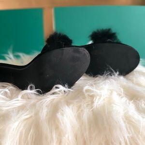 Shoes - Like New Faux Fur Heels